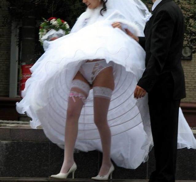 Подглядываем за невестами видео нужно